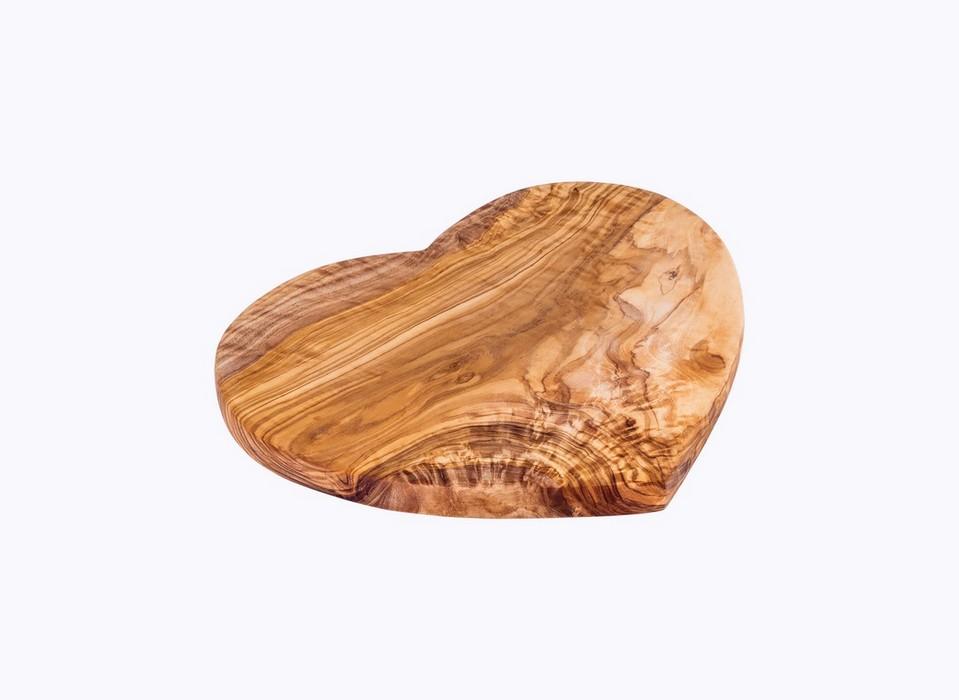 Heart-Cutting-Board-olive-wood-satix