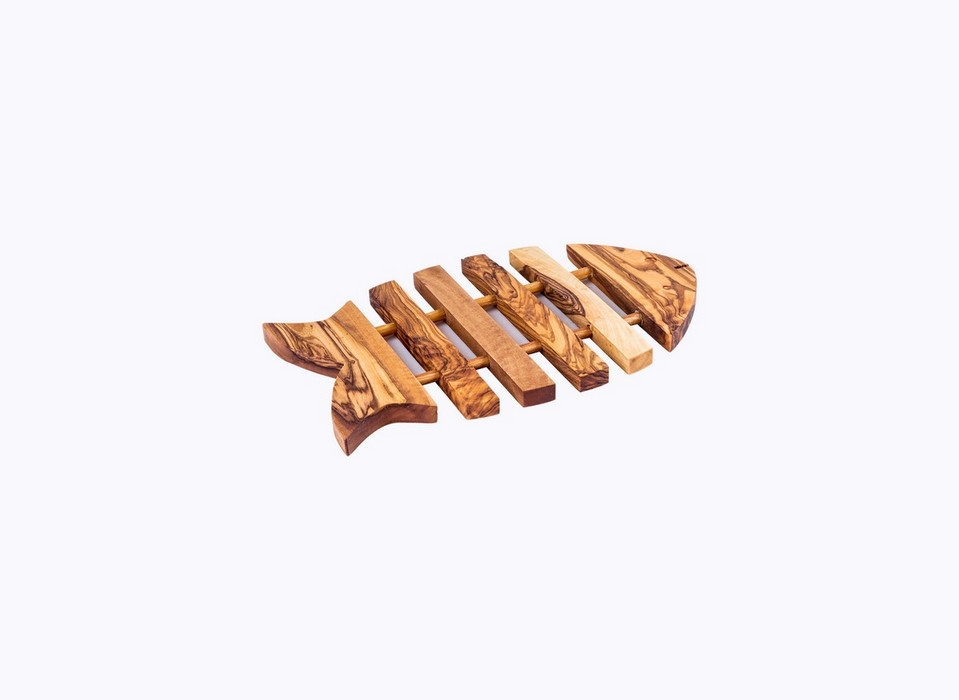 Fish-Trivet-olive-wood-satix